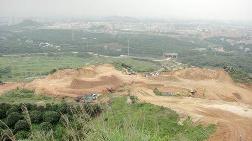土方场地平整施工方案_散裂中子源场地平整和爆破施工方案通过专家评审